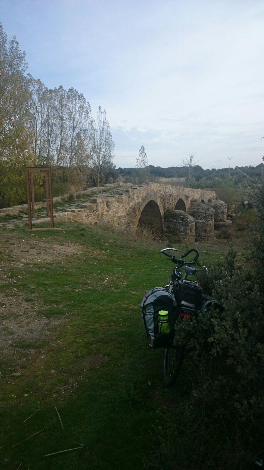 Puente romanico en la via de la Plata