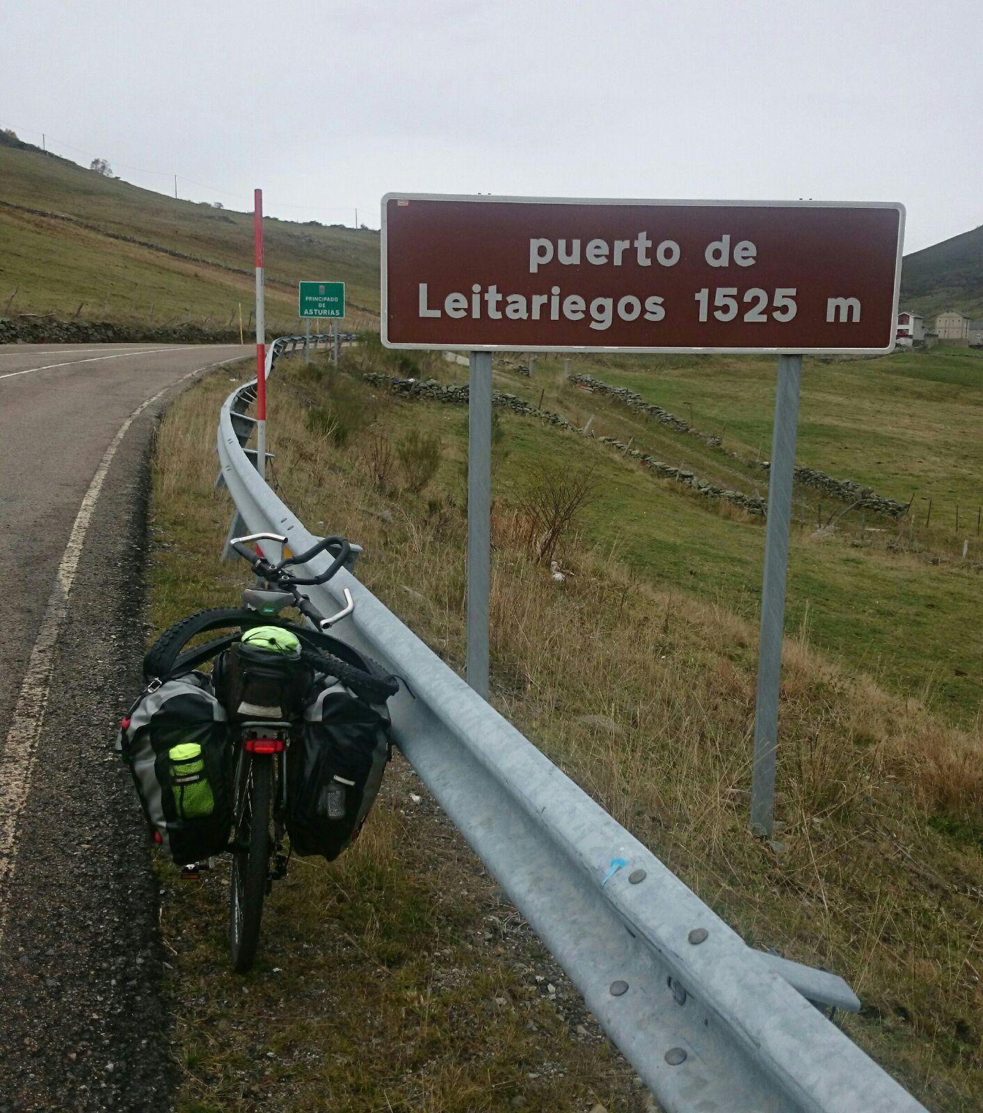 Desde aqui bajada a Leitarriegos por Asturias IMPRESIONANTE